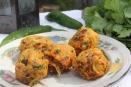 Bolinho de vegetais com especiarias típico indiano