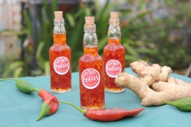 Molho de pimenta doce típico da Tailândia, com gengibre e alho. Em duas versões: molho (foto) e geleia