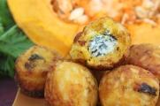Zucca Azzurra, bolinho de risoto de abóbora recheado com gorgonzola