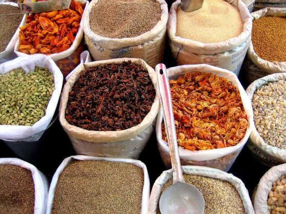 Mercado indiano de especiarias